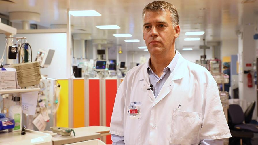 Professeur Mathieu Raux de l'hôpital de la Pitié-Salpêtrière AP-HP