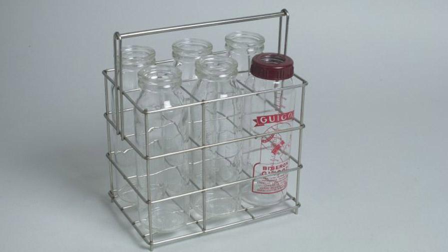 Panier de stérilisation de biberons, vers 1980