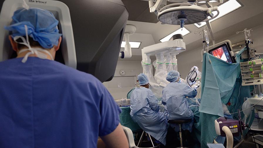 robots chirugicaux