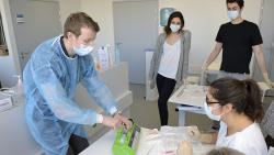 COVID-19 : l'AP-HP organise les renforts soignants et remercie tous les volontaires