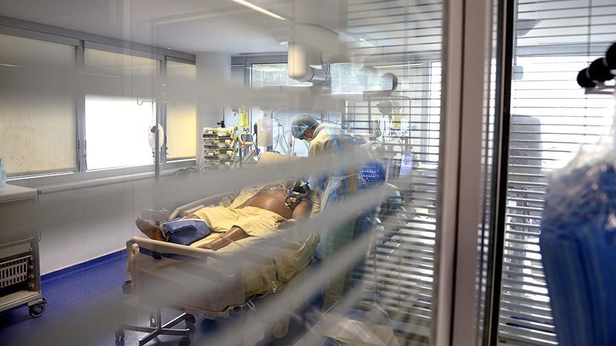 COVID-19 : patient en réanimation