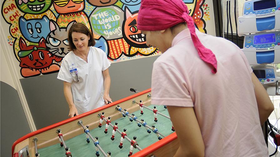 Unité adolescents et jeunes adultes, hôpital Saint-Louis