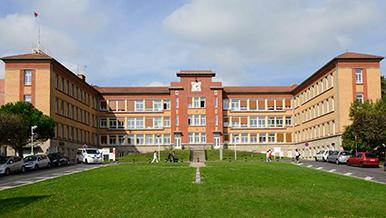 Hôpital Raymond-Poincaré