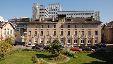 Hôpital Armand-Trousseau