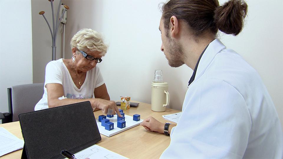 Maladie d'Alzheimer : à la rencontre du Pr Bruno Dubois (3469)